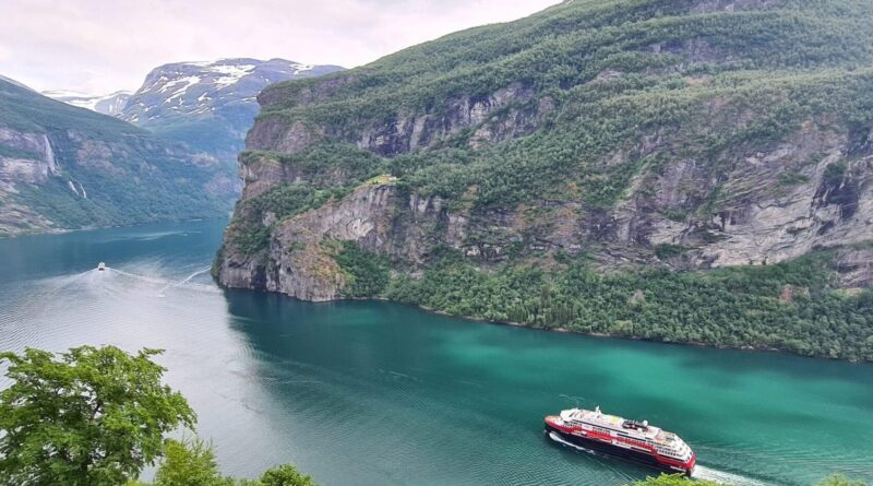 Hurtigruten mag met 5 schepen kust route varen